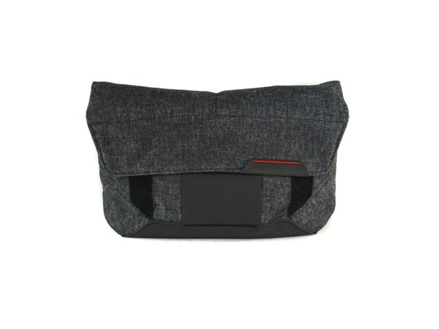 Peak Design Väska The Field Pouch Charcoal