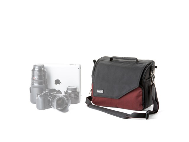 Think Tank Kameraväska Mirrorless Mover 30i deep red